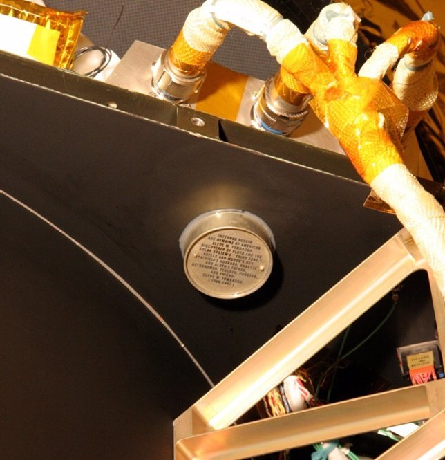 Cenizas del descubridor de Plutón en la nave New Horizons