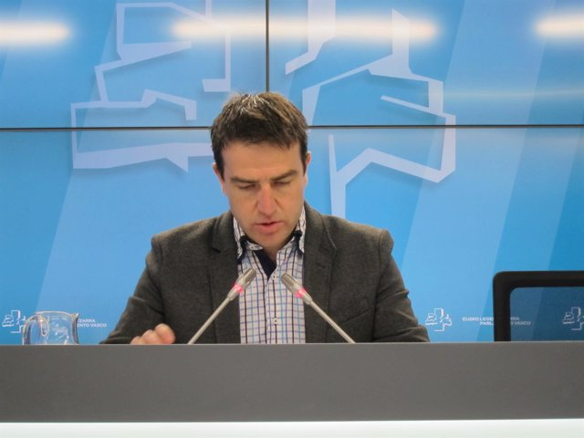 El parlamentario vasco de UPyD Gorka Maneiro