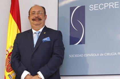El doctor Cristino Suárez, nuevo presidente de la Sociedad Española de Cirugía Plástica, Reparadora y Estética