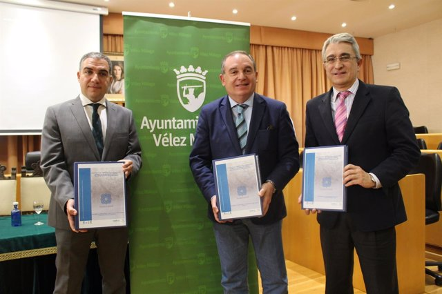 Presentac ión proyecto Senda Litoral Vélez Bendodo, González y Delgado Bonilla