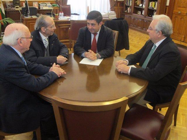Reunión de Francisco Reyes con Antonio Marín, Diego Santiago y Antonio Romero