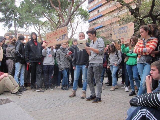 Huelga de estudiantes 27 de febrero en Barcelona manifestación