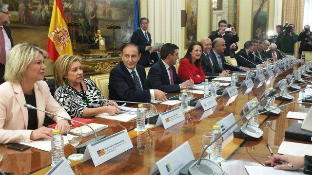 Dolores Serrat en la reunión sectorial de Educación