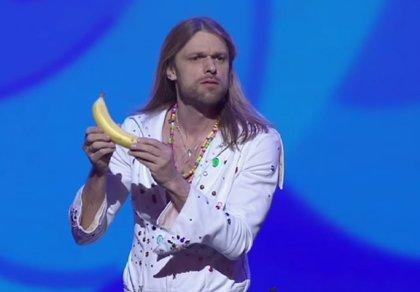 Carl-Einar Häckner, el mago sueco que hace comedia, se hace viral en YouTube
