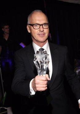 Michael Keaton en los Critics Choice Movie Awards at the