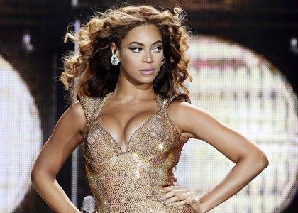 Mike Huckabee acusa a los Obama de ser malos padres por permitir a sus hijas escuchar a Beyoncé