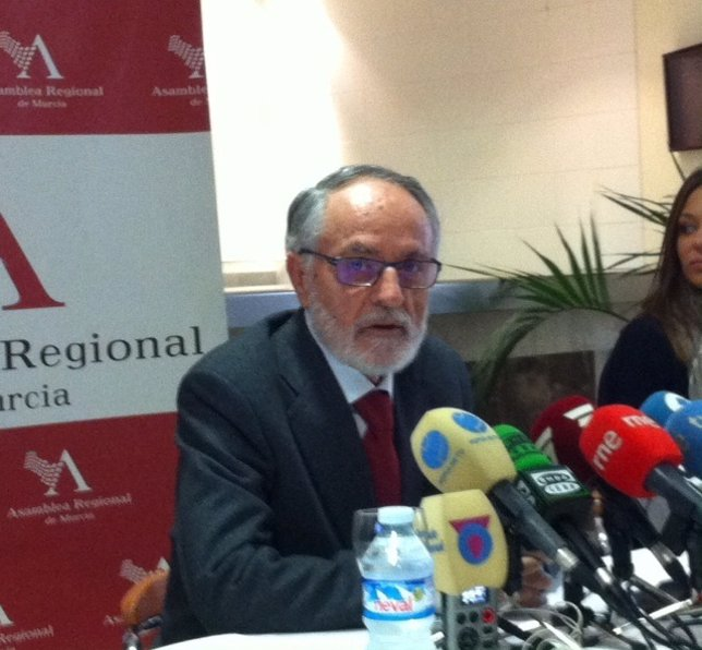 El presidente de la Asamblea Regional, Francisco Celdrán