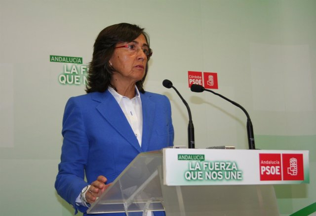 Rosa Aguilar en la sede del PSOE de Córdoba
