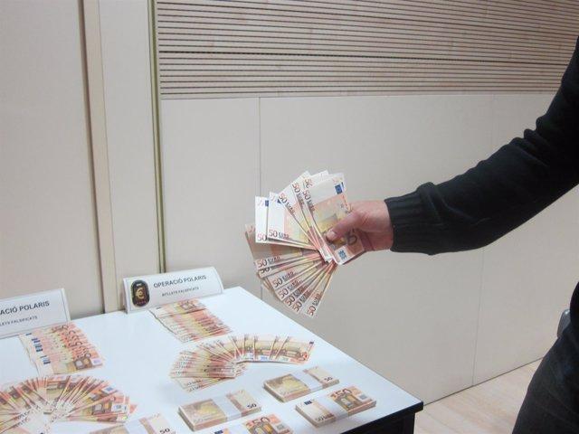 Cae una banda que introducía 80.000 euros mensuales falsos procedentes de Italia