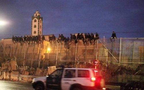 Nuevo salto de inmigrantes en la valla de Melilla