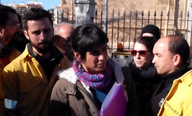 Teresa Rodríguez (Podemos) a las puertas del Parlamento andaluz