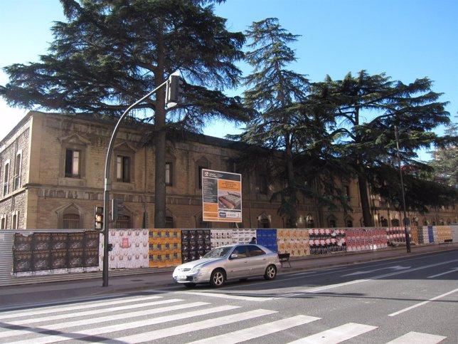 Fachada principal Palacio de Justicia en obras