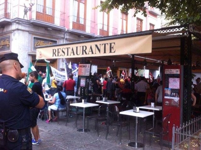 Piquete en la huelga de hostelería de Granada