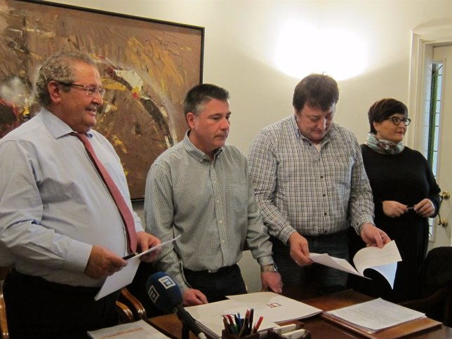 Gerardo de la Iglesia, Marco Rodríguez y Gabino Pérez, taxistas de Oviedo