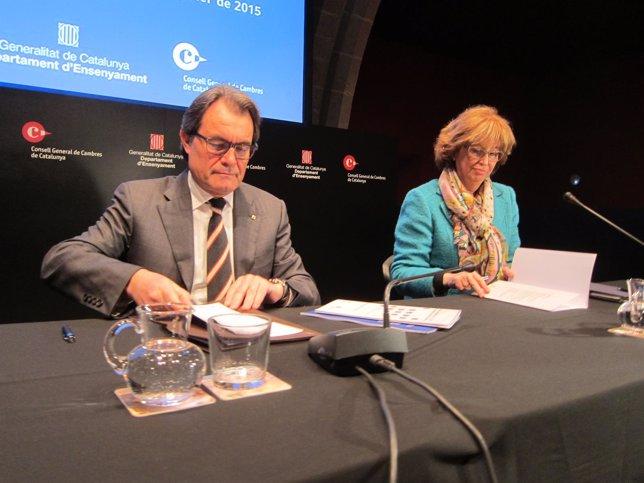El presidente del Govern, Artur Mas, y la consellera Irene Rigau