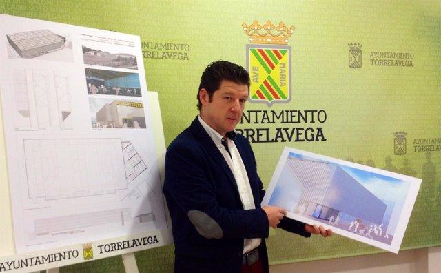 El concejal de Deportes presenta el proyecto del pabellón