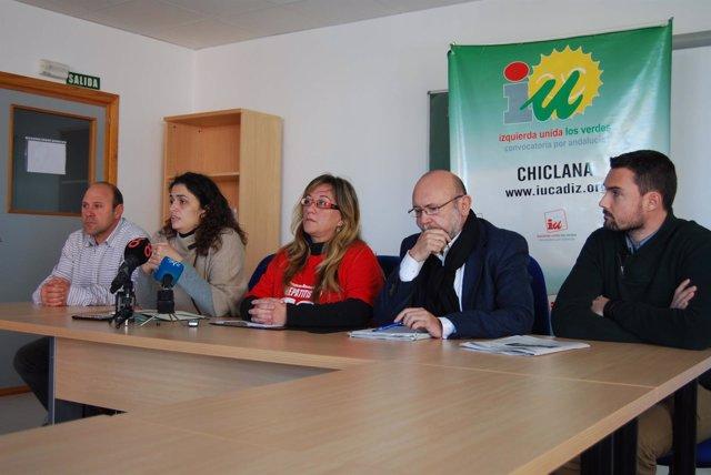 Rueda de prensa tras la reunión de miembros de IU con afectados por Hepatitis C