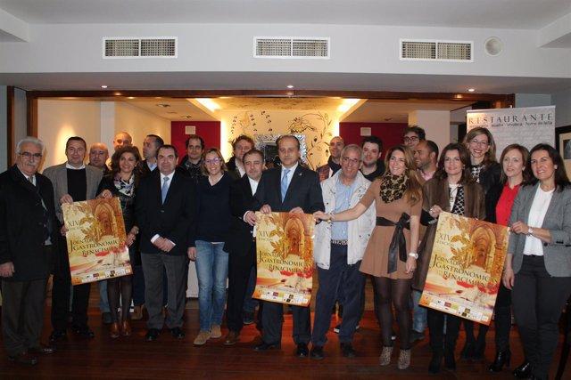 Robles (c) inaugura las XIV Jornadas Gastronómicas en el Renacimiento.