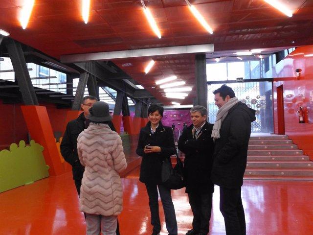 Visita del Gobierno municipal de Teruel al edificio de Domingo Gascón.
