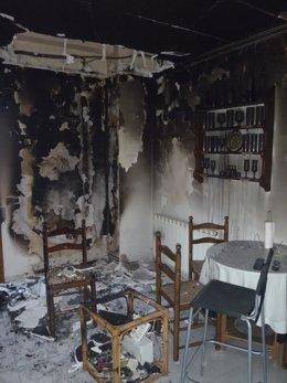 Imagen de la cocina incendiada.