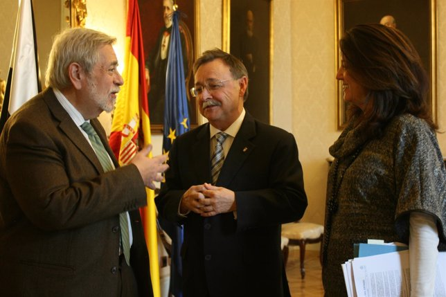 Antonio Beteta, Juan Vivas y Rosana Navarro