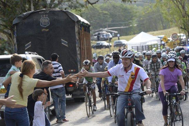 El presidente de Colombia recorrerá en bicicleta parte del país