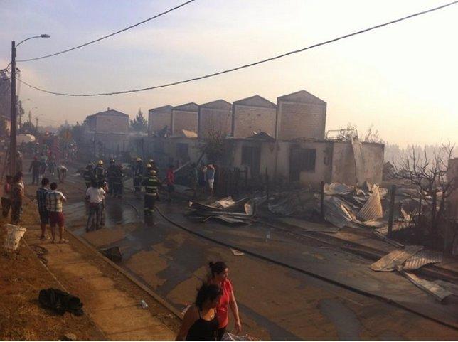 Los incendios forestales destruyen varias viviendas en Chile