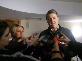 """PP-A acusa a PSOE e IU de tener """"servicios colapsados"""""""