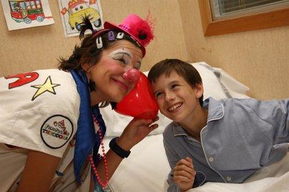 Una subvención de trece empresas permitirá que 1.500 niños enfermos reciban la visita de 'doctora Sonrisa'