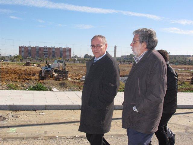 Visita del alcalde de Dos Hermanas, Francisco Toscano, a Entrenúcleos