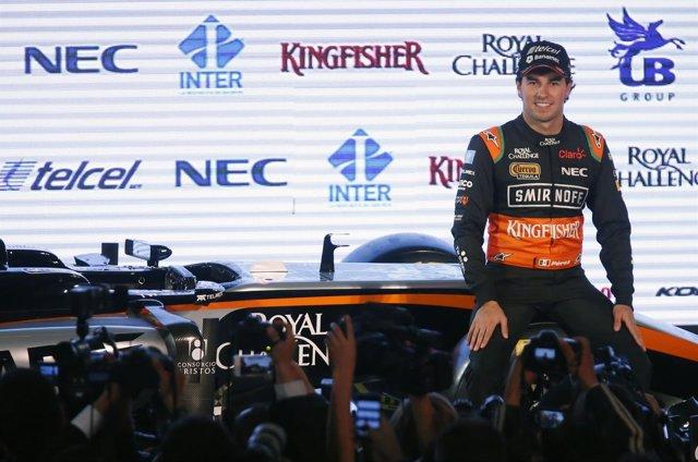 El piloto mexicano Sergio Pérez en la presentación con Force India