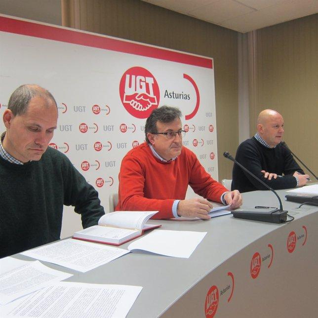 Por la izquierda, Bravo, Fernández y Alonso.