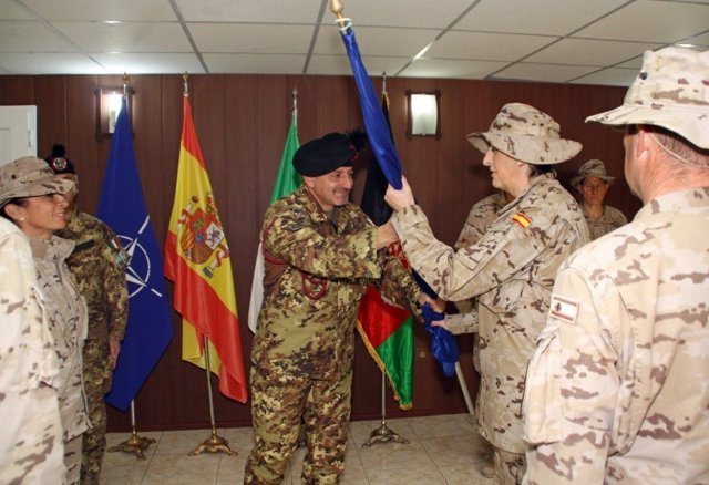 La teniente coronel Ana Senovilla asume el mando del hospital 'Role 2'