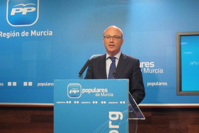 Hernández en rueda de prensa