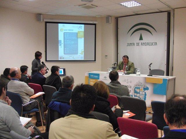 El delegado de Empleo, Eduardo Muñoz, en unas jornadas sectoriales.