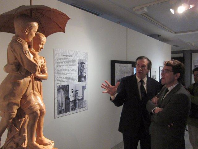 El alcalde de Salamanca y el director del Museo de la Casa Lis