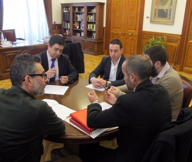 Reunión de Francisco Reyes con la directiva de Abacares