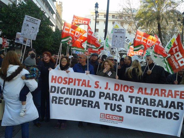 Manifestación de los trabajadores del H. Aljarafe