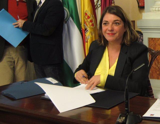 Elena Cortés, consejera Fomento y Vivienda, IU
