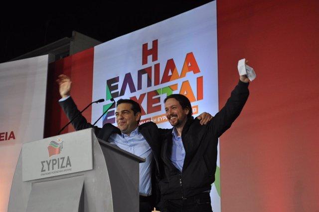 Alexis Tsipras y Pablo Iglesias en el cierre de campaña de SYRIZA
