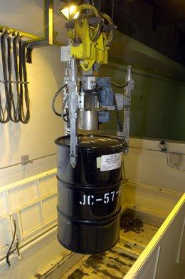 Descarga De Un Transporte De Residuos Radiactivos En El Cabril