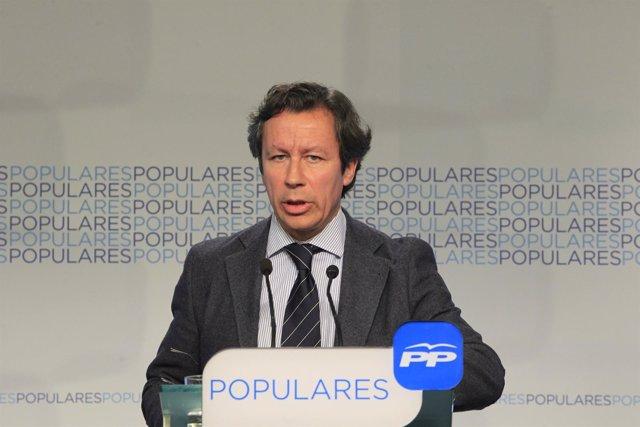 Carlos Floriano en la sede nacional del PP