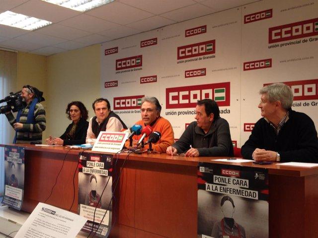 Agustín de la Cruz, de CCOO-A, y comité de empresa en la Alhambra