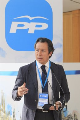 Carlos Floriano en la Convención Nacional del PP