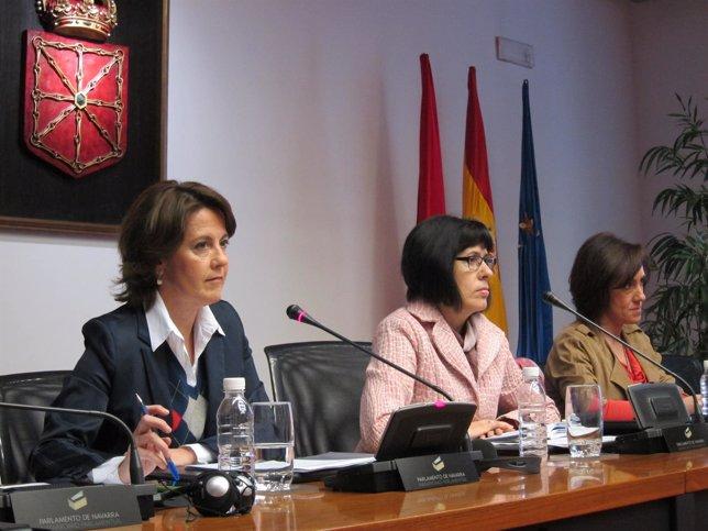 Yolanda Barcina, en comparecencia en el Parlamento de Navarra.