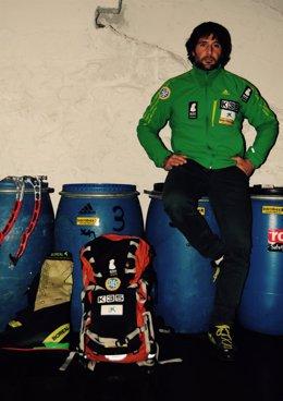 El alpinista español Alex Txikon