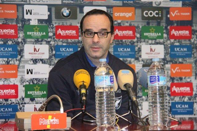 Diego Ocampo, técnico del UCAM Murcia