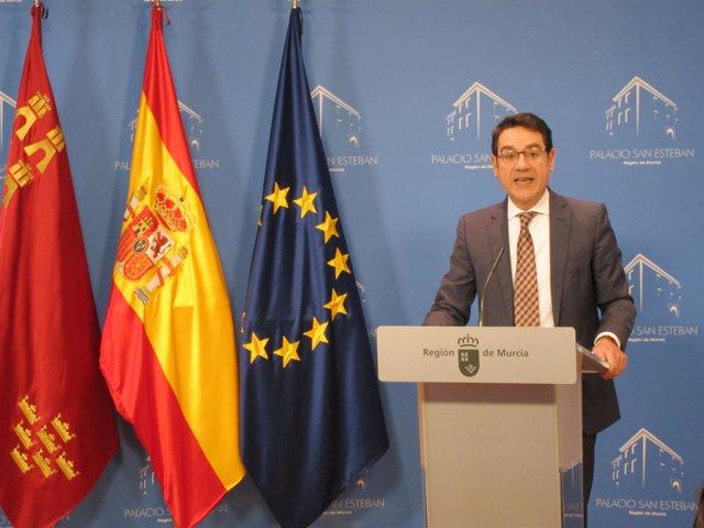 El portavoz del Gobierno regional, José Gabriel Ruiz