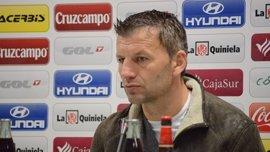 """Djukic: """"Tenemos que ser agresivos, no podemos perder el balón"""""""