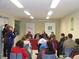 El consejero de Economía, José Sánchez Maldonado, en el CADE de Aracena (Huelva)